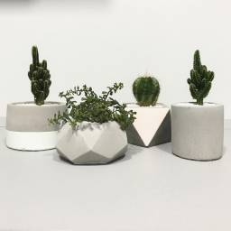 Vendo equipamentos para fabricação de vasinhos de concreto