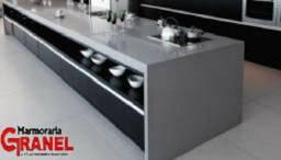 Cozinha em Granito com acabamento personalizado/Marmoraria Granel!Agende seu orçamento!