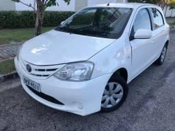 Toyota Etios 1.3 XS Oportunidade Troco e Financio