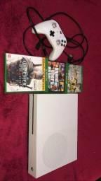 Xbox one s em ótimo estado