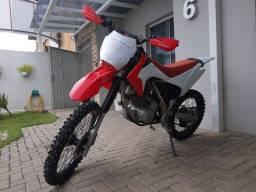 Moto de trilha XR200