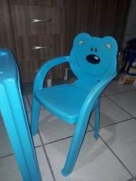Mesa com cadeira infantil 50.00