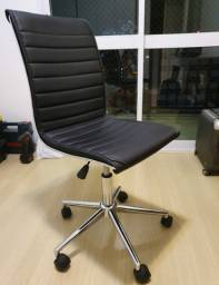 Vendo cadeira de escritório Mobly
