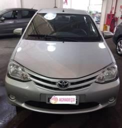 Toyota etios hatch 2015