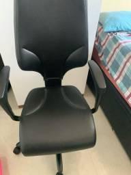Cadeira Candall Giroflax 64 em couro