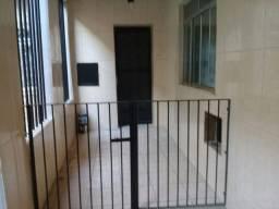 Casa de Vila 2 quartos 1 sala 1 cozinha 1 banheiro 1 área de serviço e varanda.