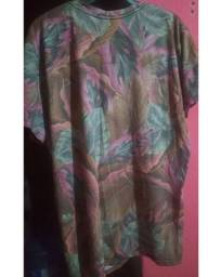 Camiseta floral masculina (17,00R$)