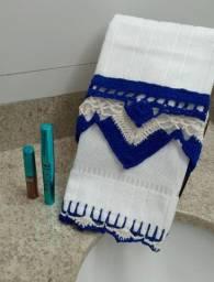 Toalha de lavabo em crochê