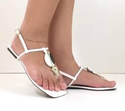 Sandalias em ótimos preços