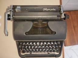 Máquina de escrever Olympia