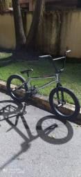 Bicicleta BMX SEME NOVA