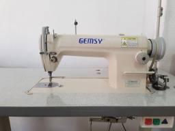 Título do anúncio: Reta industrial GENSY máquina de costura