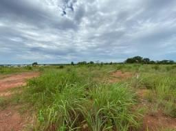 Vende-se terreno 1 terreno no Chapéu do Sol em frente ao Florais da Mata.