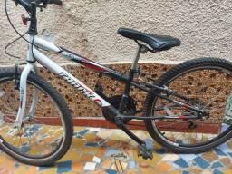 Bicicleta Track semi nova Aro 24/18 marchas
