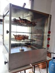 Máquina de assar frango semi nova