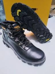 Vendo botas CATERPILLAR vários modelos feminino e masculino  whatsapp *