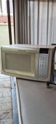 Micro-ondas Electrolux  31 litros.