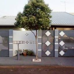 Título do anúncio: Casa com 3 quartos, sendo 1 suíte, 2 banheiros, à venda no bairro Cafezal