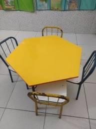 Título do anúncio: Conjunto de cadeira escolar infantil - MDF