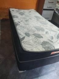 Título do anúncio: Vendo cama d solteiro d molas