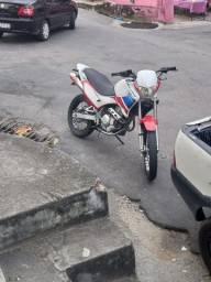 Vendo uma linda moto de passeio Falcon NX400