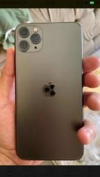 iPhone 11 Pro Max 64Gb vendo ou troco