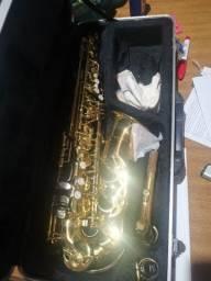 Título do anúncio: Saxofone alto Vogga