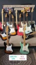 Título do anúncio: Fender Stratocaster e Telecaster! Avalio Tagima line6 Gibson