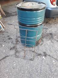 Vendo churrasqueira de latao