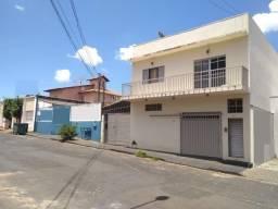 Título do anúncio: Apartamento à venda com 3 dormitórios em Santa monica, Uberlandia cod:V7726
