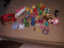 Vende-se um lote de brinquedos usados interessados só chamar no zap