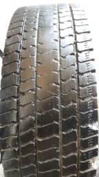 Vendo um pneu de mercedinha aro 17