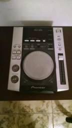 CDJ PIONEER 200 - (com placa de sinal com defeito) USADO