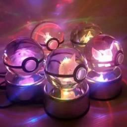 Pokebola De Cristal Pokemon 80mm Com Base De Led