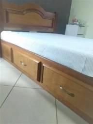 Armário duplex e cama em madeira maciça