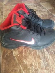 Tênis basquete Nike