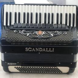 Acordeon Scandalli 120bx