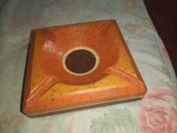 Cinzeiro de granito