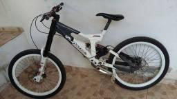 Bicicleta Astro terminal.
