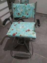 Cadeiras Ferrante recém reformadas R$ 1200 cada