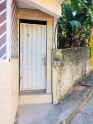 Fica em Serra sede bairro São Judas tadeu livre de água e luz entrada independente
