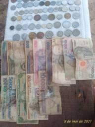 moedas e cédulas antigas.