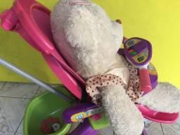 Carrinho infantil com pedal Marca Fit Trike Magic Toys