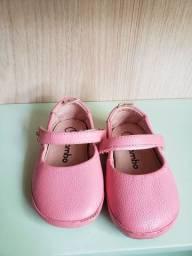 Título do anúncio: Sapato bebe menina