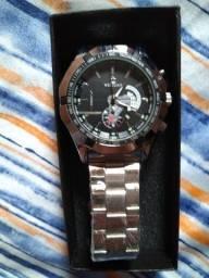 Relógio masculino novo com embalagem para presente.