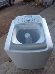 Máquina de lavar roupa Electrolux 15 kg funcionando perfeitamente e com garantia