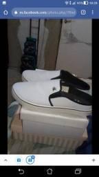 Sapato novo e sandália semi nova