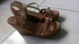 Título do anúncio: Linda sandália de salto