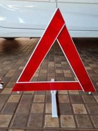 Triângulo de sinalização veicular reflexivo