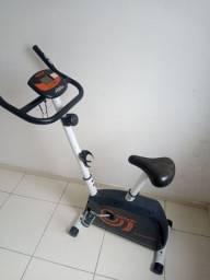 Título do anúncio: Vendo bicicleta ergométrica usada